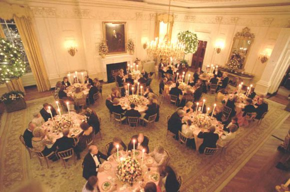 Reagans_host_a_state_dinner_for_Prince_Charles_and_Princess_Diana