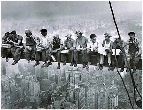 Lunch-atop-a-Skyscraper
